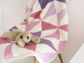 Colorful_newborn_blanket