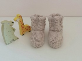 Knitted_Merino_wool_baby_booties