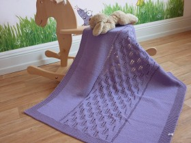 Purple_knit_baby_blanket