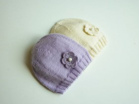 purple_and_white_babygirl_hats