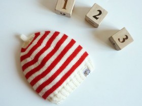 hat with stripes